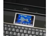 Bild: Vier Zoll ist der Touchscreen groß. Er zeigt Bilder an und ermöglicht die Steuerung von Filmen und Musik.