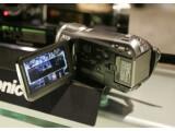 Bild: Hat es trotz der kleinen Abmessungen hochauflösend hinter der Displayklappe: Panasonic HDC-SD9.