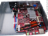 Bild: Feuerrotes Mainboard: Das Markenzeichen von MSI