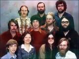 Bild: Familienfoto mit Billi: Das Bild entstand im Jahre 1978 - der größte Teil der Personen arbeitet noch heute bei Microsoft.
