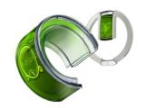 Bild: Ein flexibles Handy als Armreif und Anhänger.