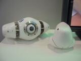 """Bild: Der Unterwasser-Roboter """"Project Aqua"""" hat praktisch keinen Wendekreis. Rechts: Das neue Modell mit verbessertem Akku."""