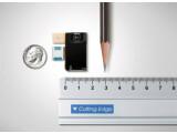 Bild: Das CMOS-Modul mit Acht-Megapixel-Chip von Samsung im Größenvergleich