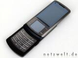 Bild: Samsung U900 Soul: Der schicke Slider lässt sich über ein kleines Touchpad bedienen.