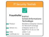 Bild: Mit diesem Zertifikat bestätigt Fraunhofer die Sicherheit des Blackberry-Systems.