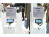 Bild: Die neuen Navis auf der CeBIT 2008: TomTom Go 730 und Go 930.