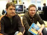 Bild: Game Designer und Lead Artist Marco Hüllen zusammen mit Jan Müller-Michaelis, Creative Director von Daedalic Entertainment.