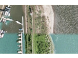 Bild: Hier schließen scharfe Flugzeugaufnahmen (oben) an unscharfe Satellitenbilder an.