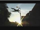 Bild: Inzwischen haben Belle und Co. Nachahmer auf der ganzen Welt gefunden - zum Beispiel 3RUN. Vor den Originalen müssen sich die Briten nicht verstecken, wie die <a href=http://www.streetstunts.co.uk/3run/parkour_videos.htm target=_blank>Videos</a> auf ihrer <a href=http://www.streetstunts.co.uk/3run/ target=blank>Website</a> beweisen