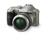 Bild: Acht Megapixel, zwölffacher optischer Zoom, Venus Engine II-Prozessor, Leica DC Vario Elmarit Objektiv mit 35 bis 420 Millimeter Brennweite