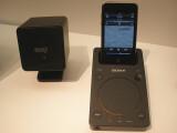 Bild: Zum Set gehören zwei Satelliten-Lautsprecher mit einer Leistung von je zehn Watt, ein Subwoofer mit 40 Watt sowie eine Dockingstation für Apples iPod und iPhone.