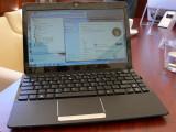Bild: 12 Zoll Display und entsprechend großes Gehäuse (ca. A4) mit ausreichend Platz für die Tastatur.