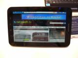 Bild: Netzwelt auf dem Galaxy Tab: Die Anzeige lässt sich gut lesen, ist aber schnell übersät mit hässlichen Fingerabdrücken. (Bild: netzwelt)