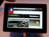 Bild: Das Blackberry Playbook von RIM hinterließ im netzwelt-Test auf der CES einen positiven Gesamteindruck. In diesem Jahr wird es auch in Deutschland erhältlich sein. (Bild: netzwelt)