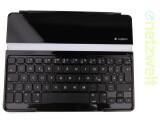 Bild: Die Bluetooth-Tastatur bringt 332 Gram auf die Waage und erschwert das Gepäck zusammen mit dem iPad um ein Kilo. (Bild: netzwelt)