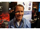 Bild: Sieht so die Zukunft aus? Datenbrille M100 von Vuzix auf dem MWC in Barcelona. (Bild: netzwelt)
