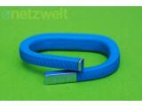 Bild: Das Armband zählt die Schritte und misst die Schlafzyklen seines Trägers. (Bild: netzwelt)