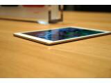 Bild: Genau hinschauen! Das iPad Air 2 ist nur 6,1 Millimeter dick.