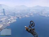 Bild: Stunts und Glitches in GTA 5: Mit dem Mountain Bike eine schwindelerregende Kombination.