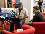 Bild: Weltweit nutzen die meisten Menschen die Suchmaschine des Unternehmens.