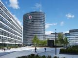 Bild: Vodafone Campus in Düsseldorf: Der Provider schnürt Festnetz. Mobilfunk und Fernsehen in einem Produkt zusammen.