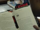 Bild: Sobald ihr das Buch öffnet, beginnt die Uhr gnadenlos zu ticken.