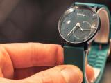 Bild: Auf der CES konnte netzwelt bereits Hand an das neue Withings-Produkt Activité Pop legen. Kann der Fitness-Tracker im klassischen Armbanduhren design im Kurztest überzeugen?