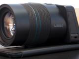 Bild: Die Lytro Illum sieht aus wie eine herkömmliche Digitalkamera - ist es aber nicht. Die Lichtfeldtechnik ermöglich Refokus, also den Fokus in einem Bild im Nachhinein zu setzen.