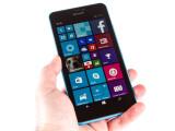 Bild: Das Lumia 640 XL ist ein groß, lässt sich aber noch gut bedienen.