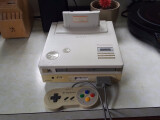 Bild: Mit der SNES-PlayStation wären uns wohl die schlechten CDi-Spiele mit Mario und Zelda erspart geblieben.