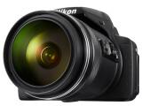 Bild: Die Nikon Coolpix P900 zeichnet sich durch einen enormen Brennweitenbereich aus.