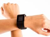 """Bild: Die """"Superwatch"""" von Fitbit hat ein paar Schwächen."""