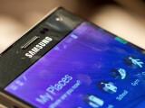 Bild: Der Bildschirm des Galaxy Note Edge ist zur rechten Seite hin abgeknickt. (Bild: netzwelt)