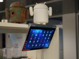 Bild: Riesig, flexibel. Mit Subwoofer. Und Beamer. Noch Fragen zum Lenovo Yoga Tablet 2 Pro? Her damit!