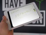 Bild: Auf dem Acer Iconia One 8 könnt ihr mit einem Bleistift kritzeln.
