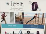 Bild: Charge und Charge HR heißen die beiden neuen Tracker von Fitbit.