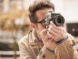 Bild: Fujifilm stellt mit der X-T10 eine kompakte Systemkamera im Retro-Look vor, die viel Technik aus dem Profi--Modell X-T1 besitzt.