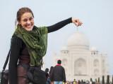 Bild: Mit der richtigen Perspektive, wird das Taj Mahal zum Fliegengewicht.