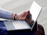 """Bild: Wie ein echter Laptop: Als """"Lapability"""" bezeichnet Microsoft die Fähigkeit von Surface, auch auf dem Schoß halt zu finden."""
