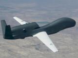 Bild: Die Drohne Global Hawk, die auch die Vorlage für die Euro Hawk der Bundeswehr ist. China will künftig Aufklärungs- und Kampfdrohnen mit einer Laserwaffe vom Himmel holen.