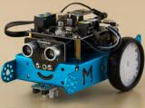 Bild: Der mBot lässt sich auch über Bluetooth bedienen.