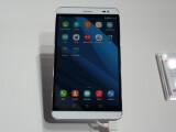 Bild: Huawei stellt das Tablet während dem MWC 2015 vor.