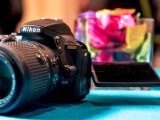 Bild: Nikon hat die D5500 auf der CES 2015 vorgestellt. wir haben uns die DSLR mit Touchscreen für euch einmal näher angeschaut.