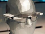 Bild: Sonys SmartEyeglass Attach macht aus jeder Brille eine Datenbrille. Auf der CES konnten wir uns einen Prototypen anschauen.