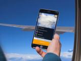 """Bild: Mit """"airberlin connect"""" im Flugzeug online surfen."""