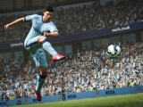 Bild: In FIFA 16 gibt es wieder einen Karriere-Modus für Trainer und Spieler.