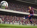 Bild: Die Schussphysik wurde in FIFA 16 überarbeitet.