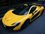 Bild: Und ab geht die wilde Fahrt: Ob es sich beim abgebildeten McLaren P1 tatsächlich um ein Taxi handelt, ist jedoch offen.