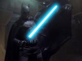 Bild: Gegen Darth Vader zieht Batman ein Lichtschwert... ein blaues.