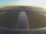 Bild: 17.248 Solarzellen befinden sich auf dem Dacht der Solar Impulse 2.